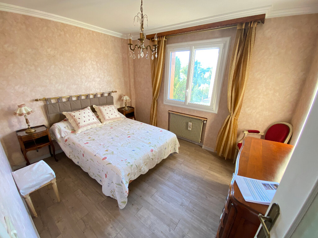 Appartement à louer 3 65m2 à Antibes vignette-6