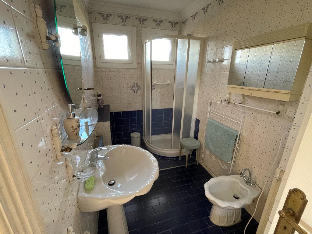 Appartement à louer 3 65m2 à Antibes vignette-11