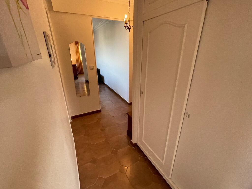 Appartement à louer 3 65m2 à Antibes vignette-13