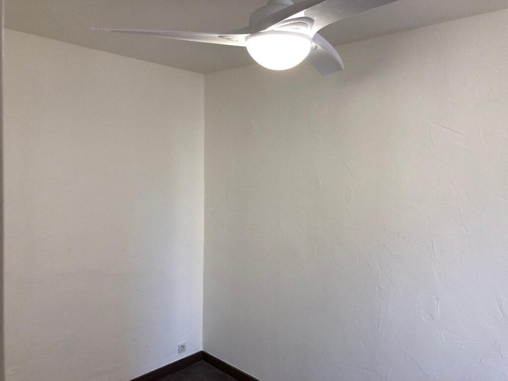 Appartement à louer 2 30.75m2 à Antibes vignette-7