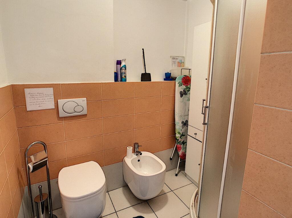 Appartement à vendre 2 43m2 à Juan-les-Pins - Antibes vignette-5