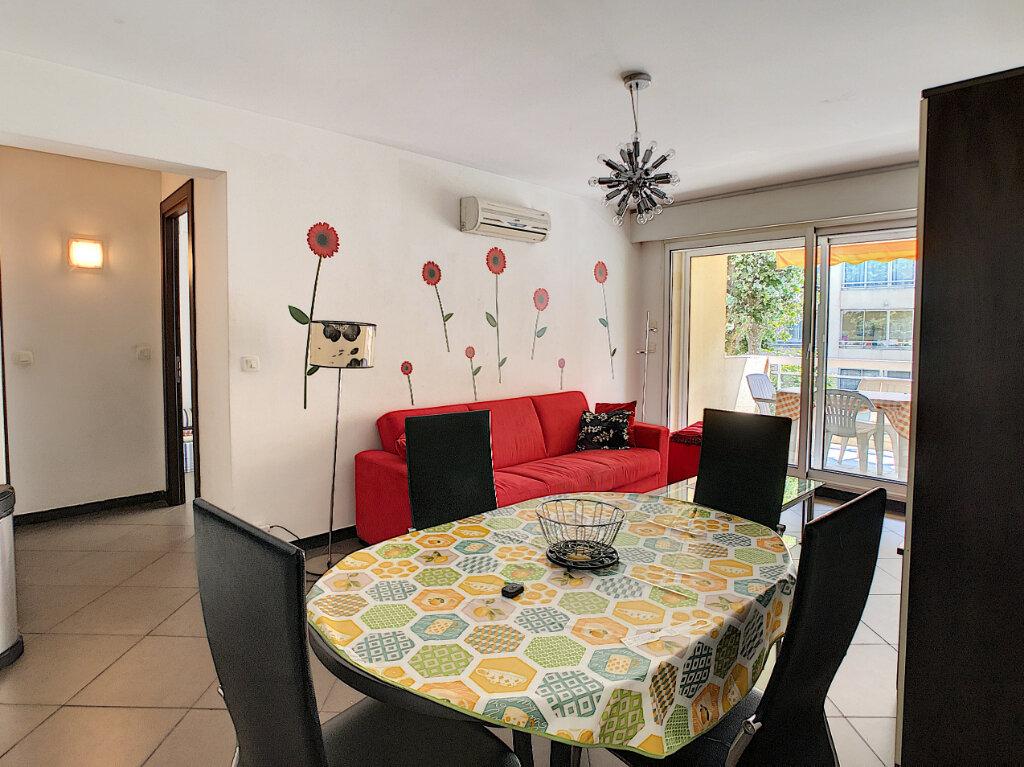 Appartement à vendre 2 43m2 à Juan-les-Pins - Antibes vignette-6
