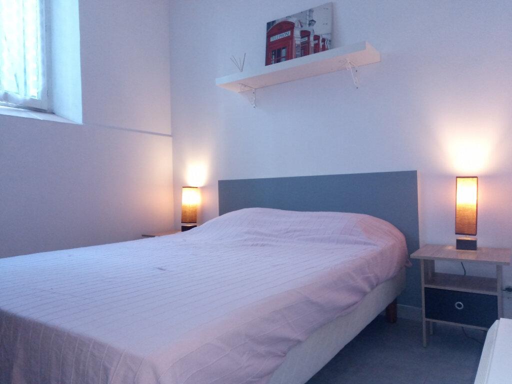 Appartement à louer 2 38m2 à Cannes vignette-7