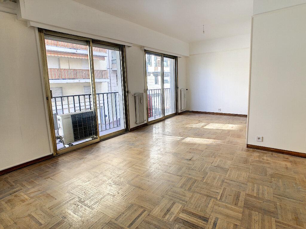 Appartement à vendre 4 97.7m2 à Antibes vignette-1