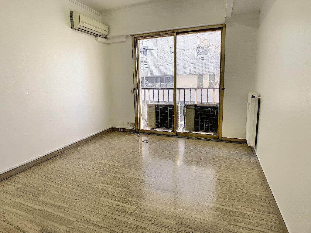 Appartement à vendre 4 97.7m2 à Antibes vignette-3