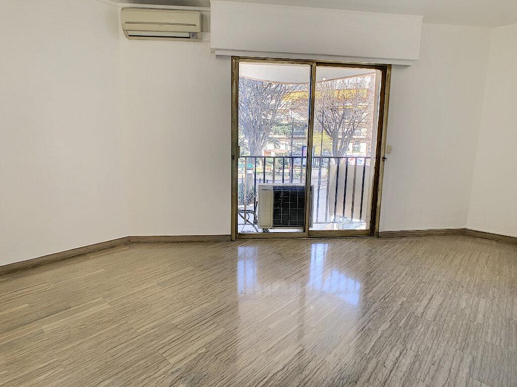 Appartement à vendre 4 97.7m2 à Antibes vignette-4