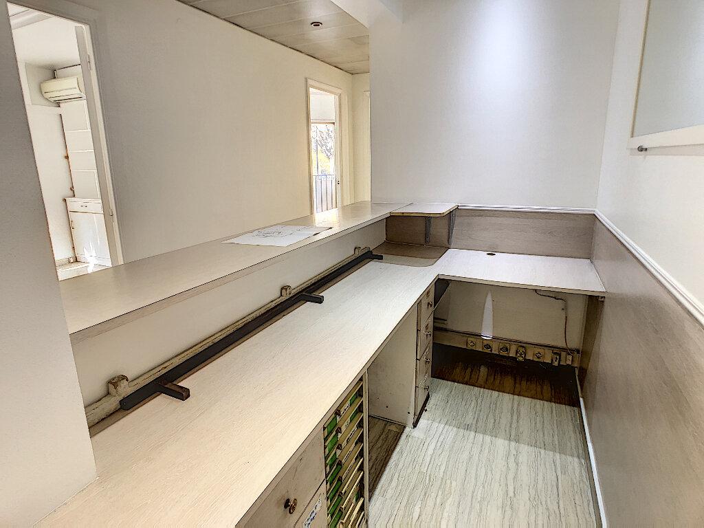 Appartement à vendre 4 97.7m2 à Antibes vignette-6
