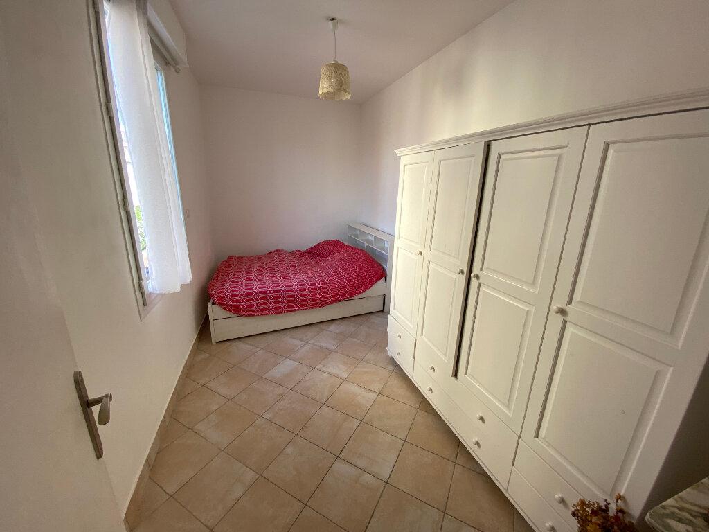Appartement à louer 3 57m2 à Juan-les-Pins - Antibes vignette-4