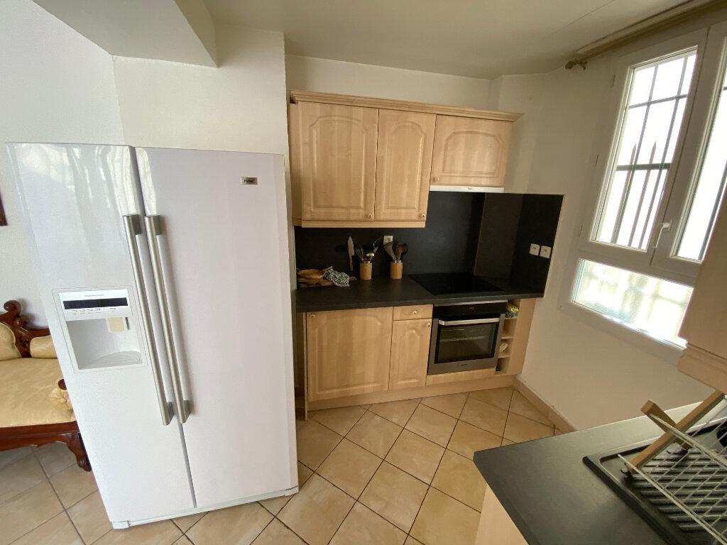 Appartement à louer 3 57m2 à Juan-les-Pins - Antibes vignette-10
