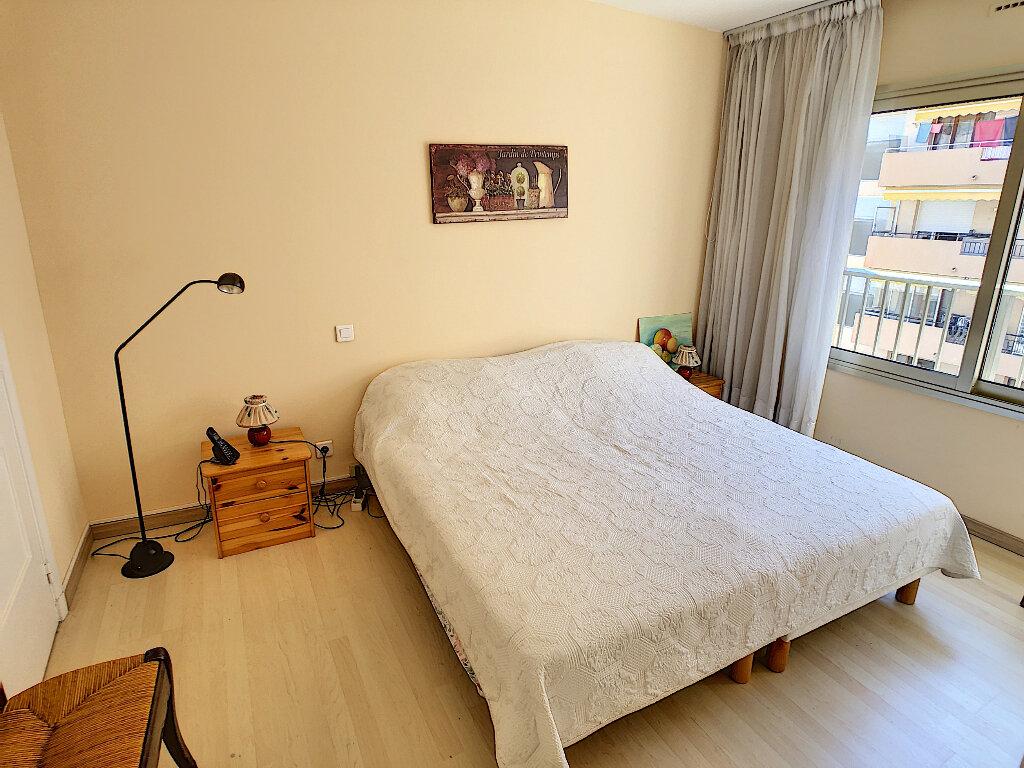 Appartement à vendre 2 48m2 à Antibes vignette-3