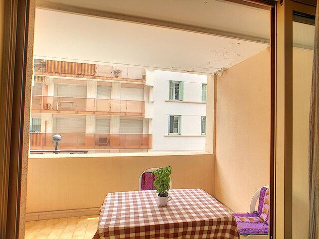 Appartement à vendre 3 68.32m2 à Antibes vignette-4