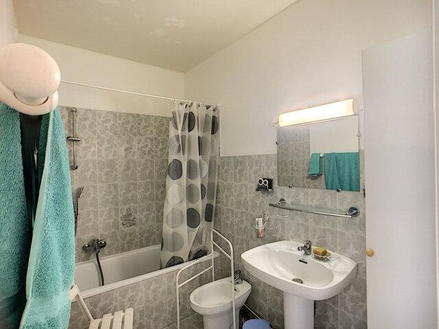 Appartement à vendre 3 68.32m2 à Antibes vignette-8