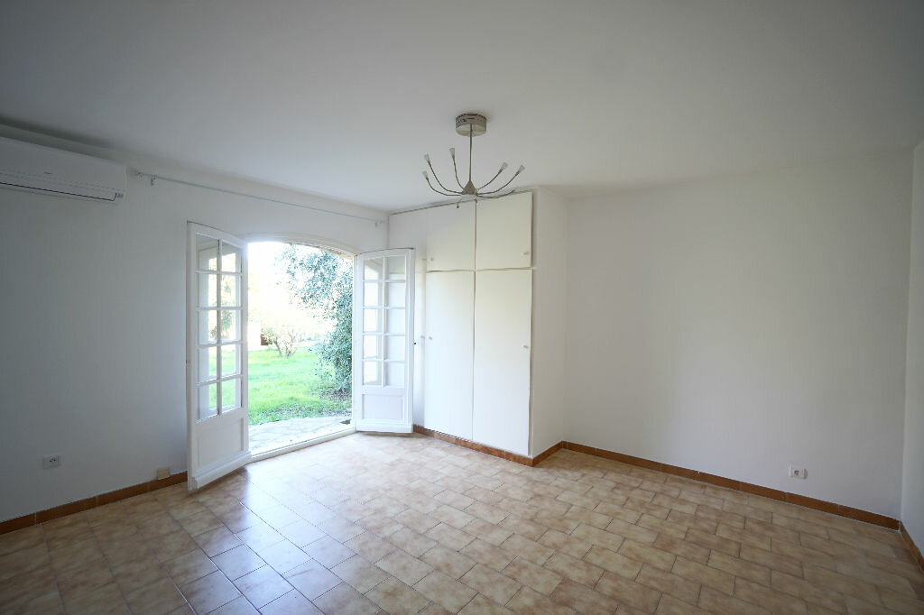 Maison à louer 4 124.69m2 à Biot vignette-2