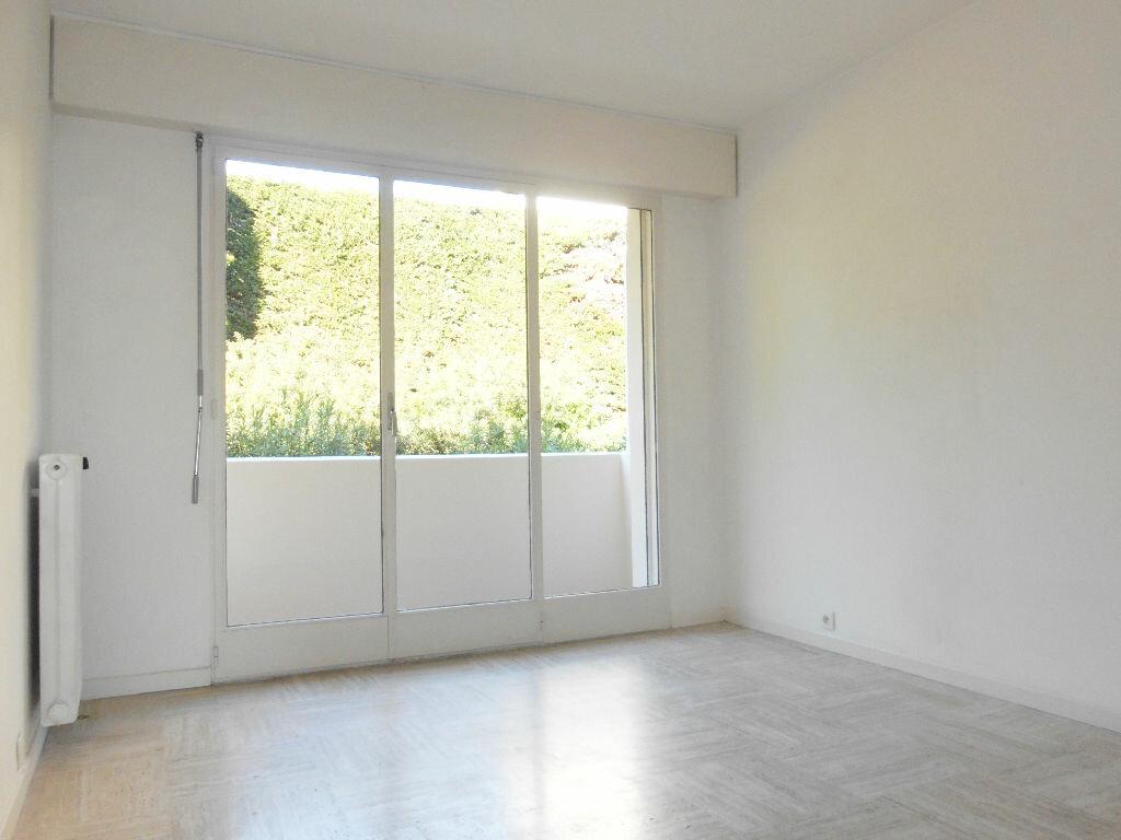 Appartement à louer 3 68.45m2 à Le Cannet vignette-4