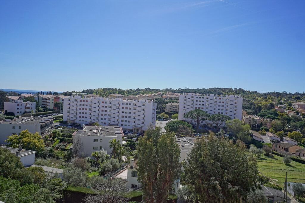 Appartement à louer 2 44.01m2 à Le Cannet vignette-3