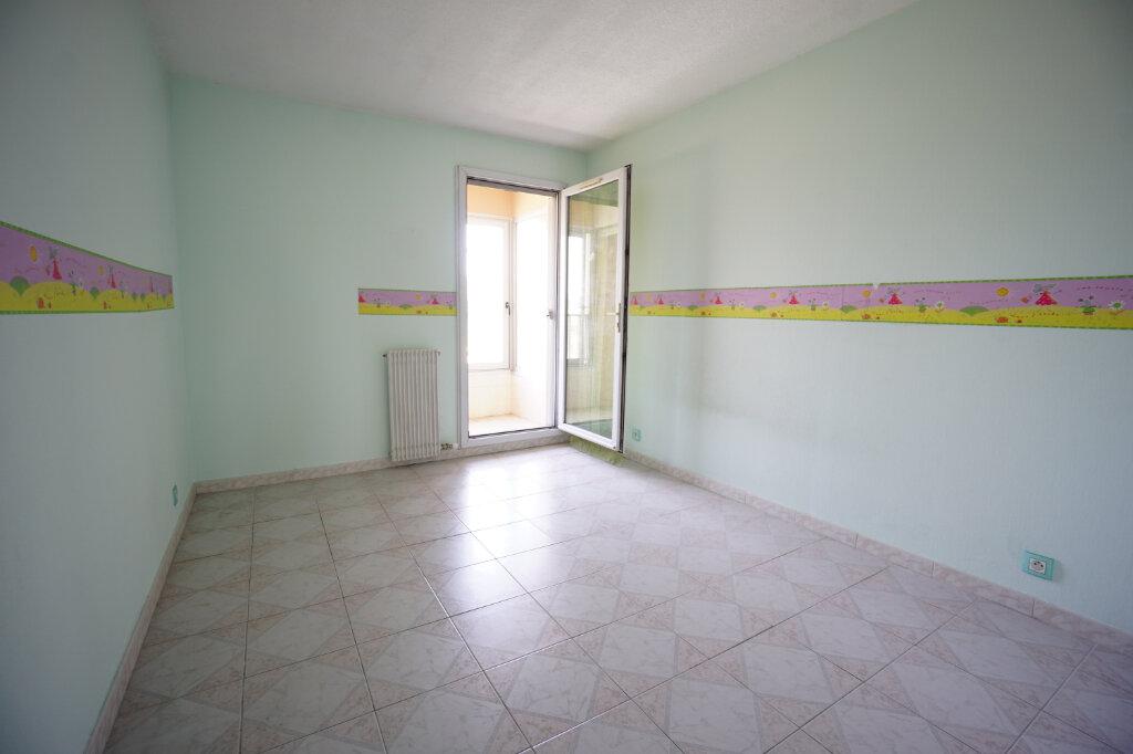 Appartement à vendre 3 63m2 à Le Cannet vignette-6