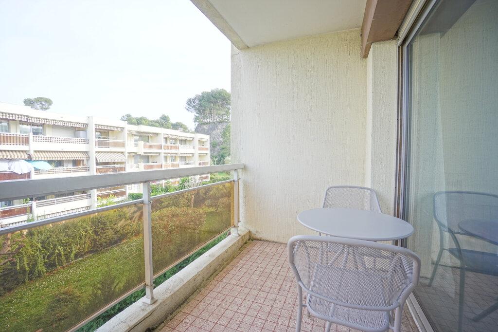 Appartement à louer 2 37.05m2 à Le Cannet vignette-2