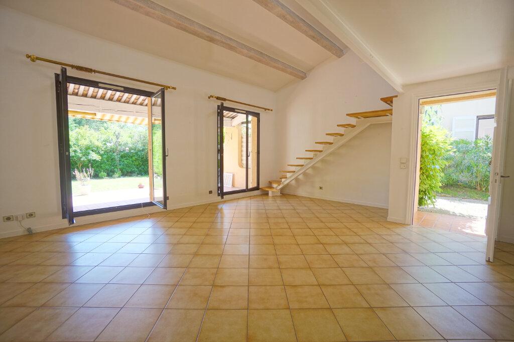 Maison à louer 4 74.3m2 à Mougins vignette-2