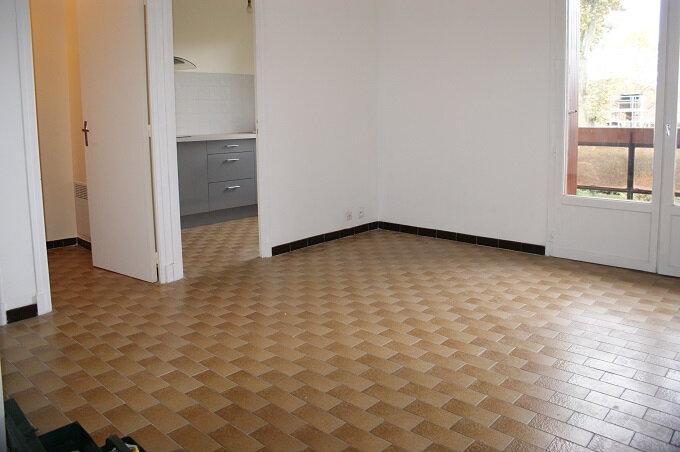 Appartement à louer 1 28m2 à Fleurance vignette-4