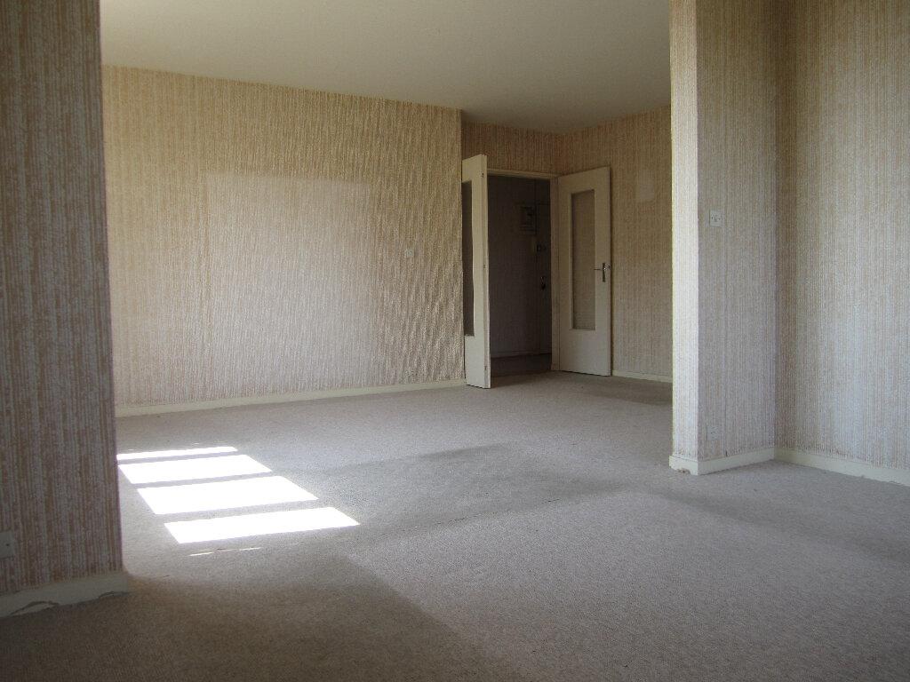 Appartement à vendre 3 77m2 à Auxerre vignette-1