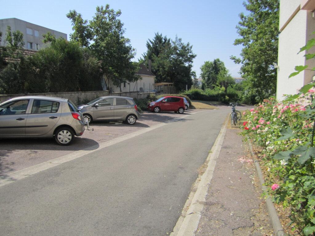 Appartement à vendre 3 77m2 à Auxerre vignette-2
