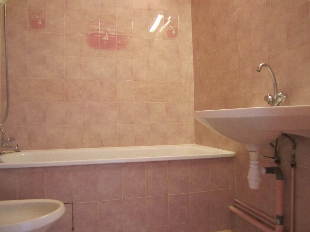 Appartement à vendre 3 77m2 à Auxerre vignette-4