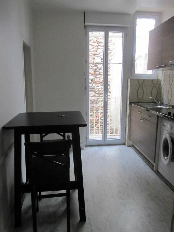 Appartement à louer 1 20.56m2 à Pamiers vignette-1
