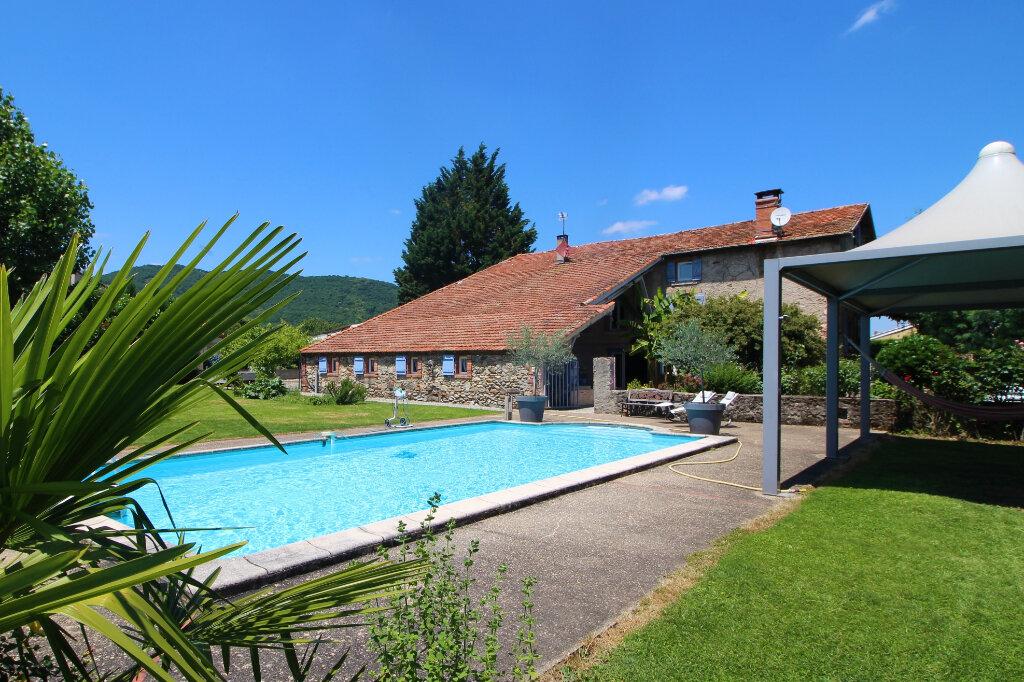 Maison à vendre 10 265.15m2 à Saint-Jean-de-Verges vignette-1