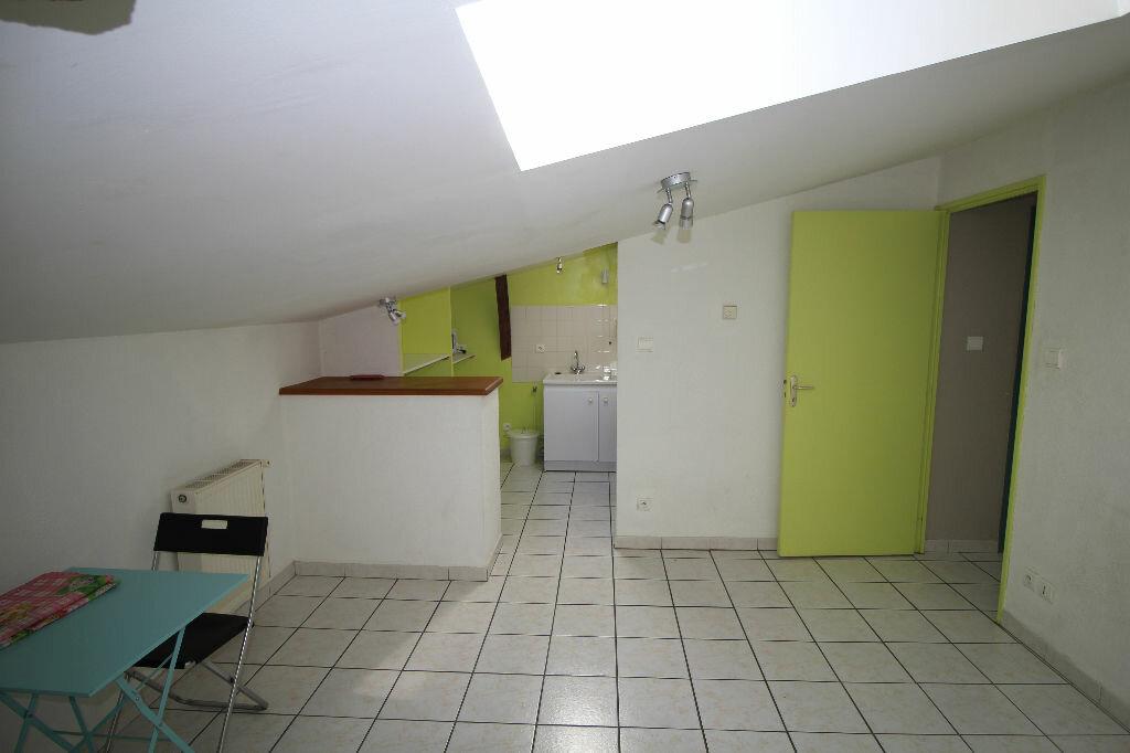 Appartement à louer 2 27.95m2 à Pamiers vignette-2