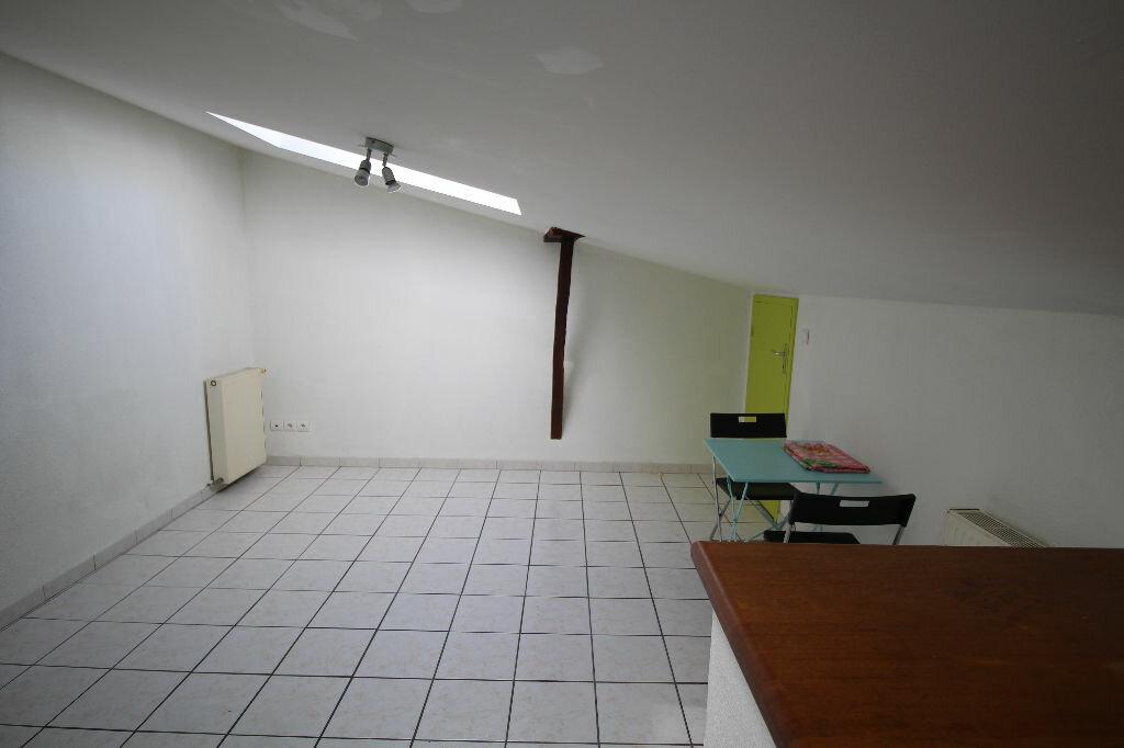 Appartement à louer 2 27.95m2 à Pamiers vignette-3