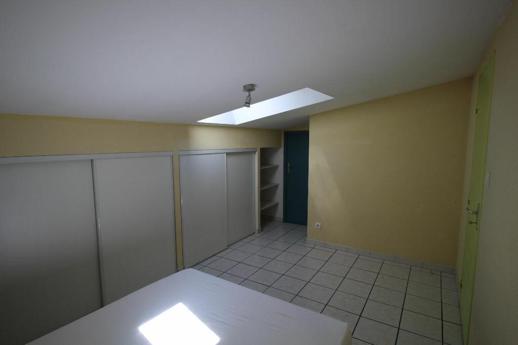 Appartement à louer 2 27.95m2 à Pamiers vignette-6