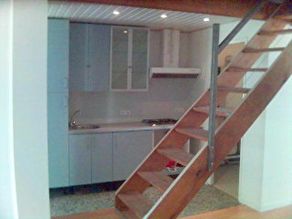 Maison à louer 3 106.61m2 à Marseille 8 vignette-8