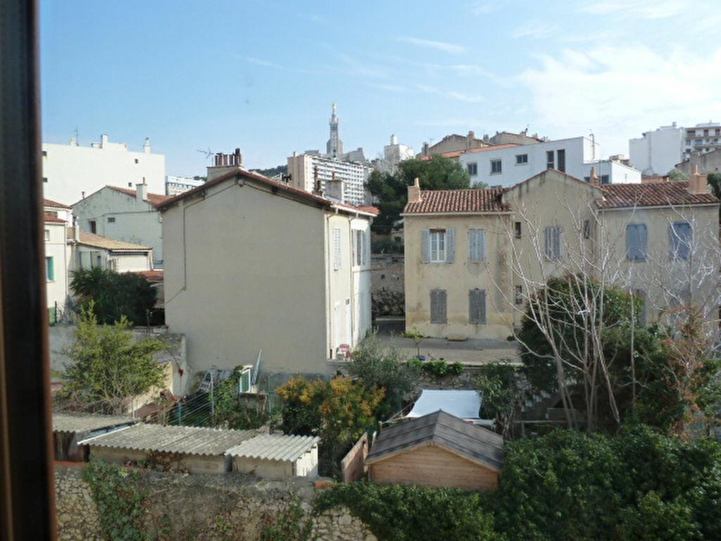 Appartement à louer 2 29.93m2 à Marseille 7 vignette-2