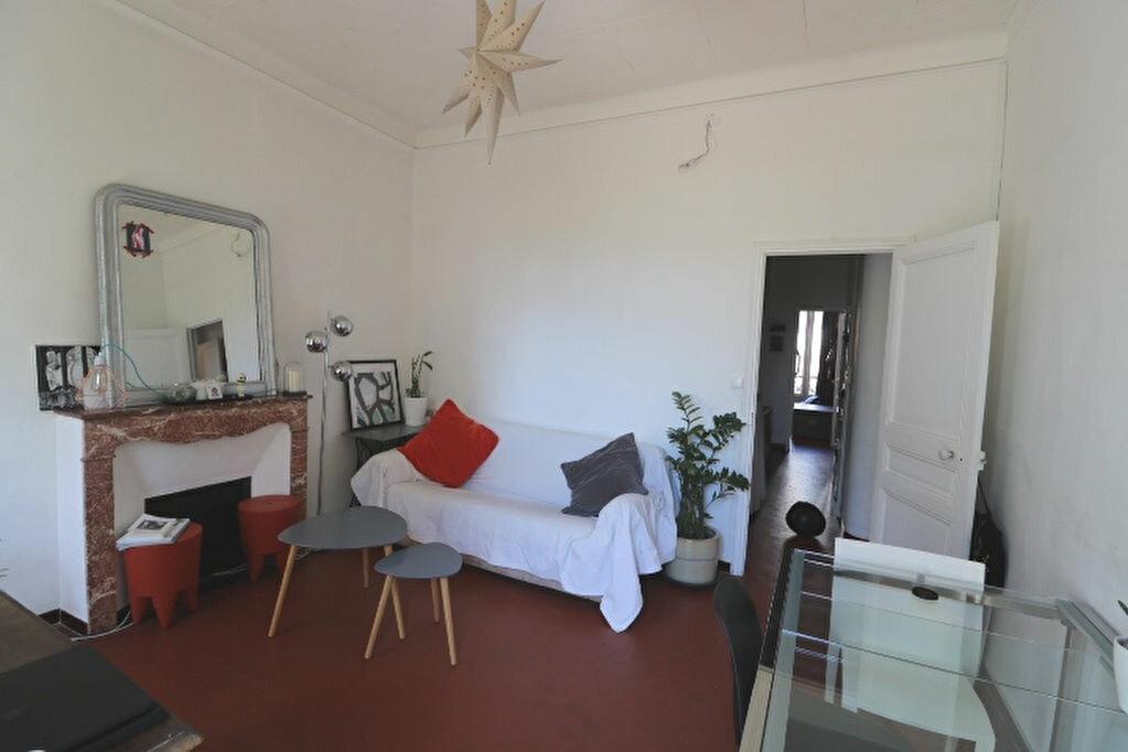 Appartement à louer 4 65.46m2 à Marseille 5 vignette-1