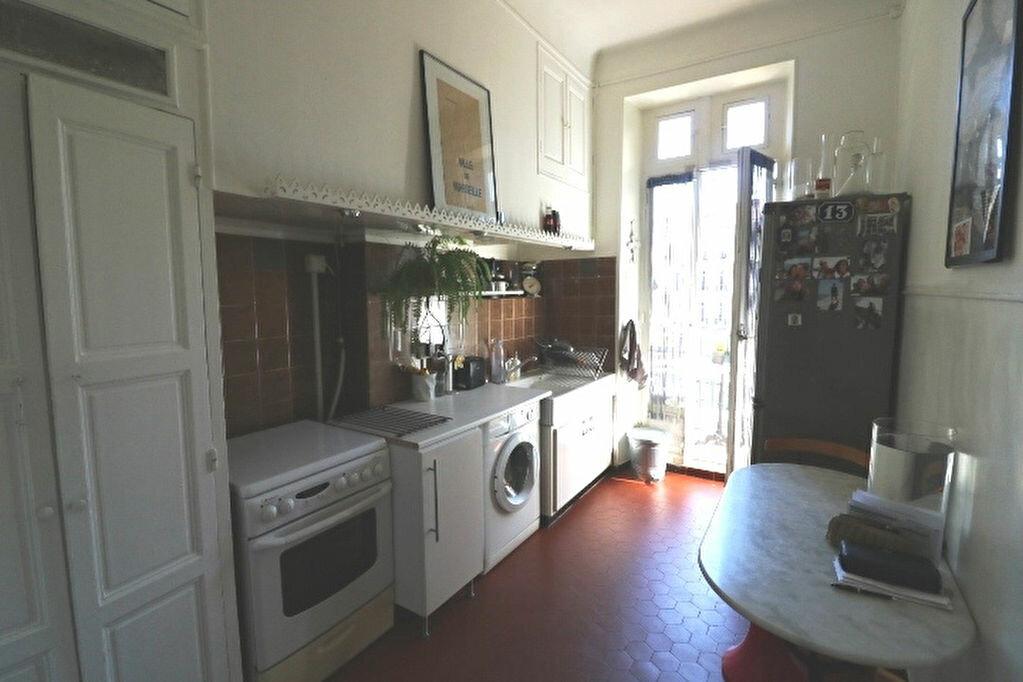 Appartement à louer 4 65.46m2 à Marseille 5 vignette-4