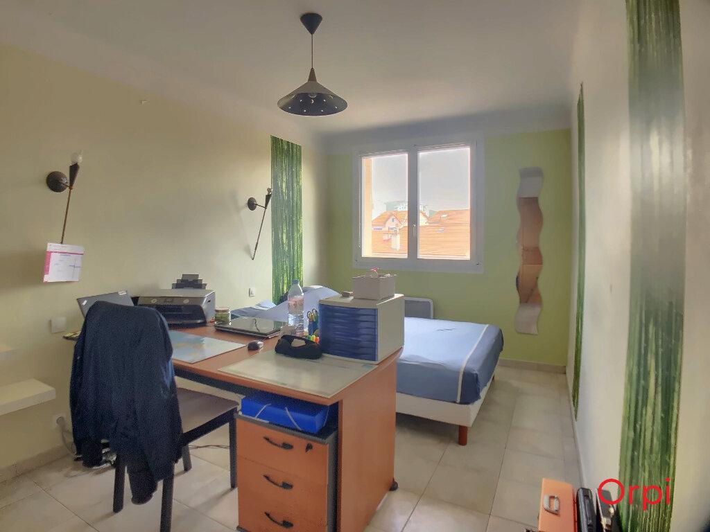 Appartement à vendre 4 63.23m2 à Marseille 9 vignette-8