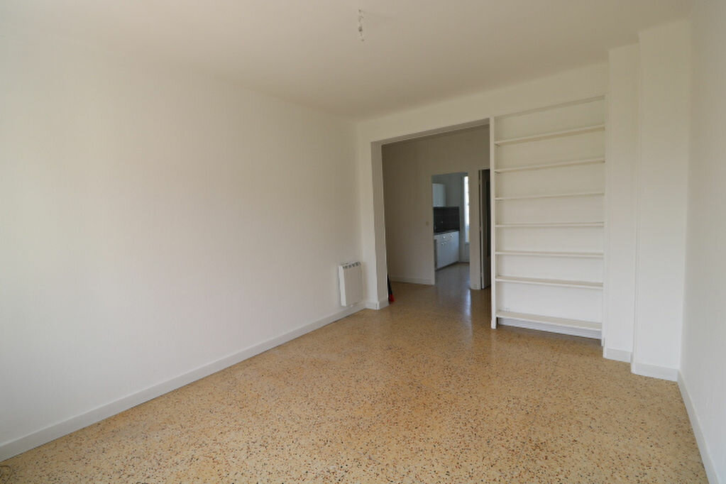 Appartement à louer 4 63.61m2 à Marseille 8 vignette-5