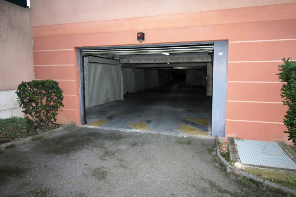 Stationnement à vendre 0 13.6m2 à Marseille 9 vignette-1