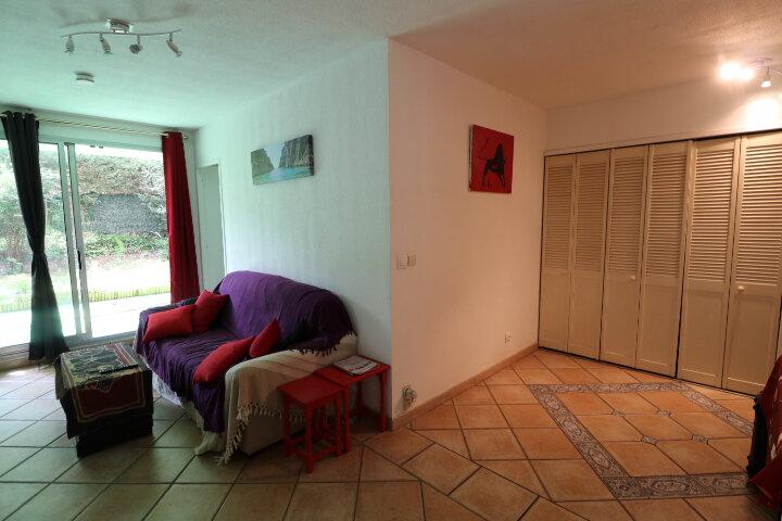 Appartement à louer 2 50.35m2 à Marseille 9 vignette-4