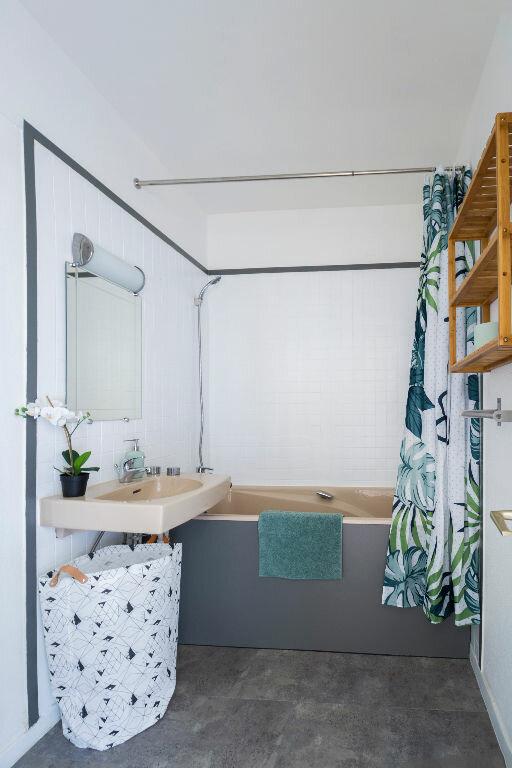 Appartement à louer 1 24.73m2 à Marseille 10 vignette-9