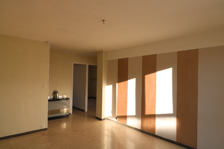 Appartement à louer 3 54.08m2 à Marseille 9 vignette-3
