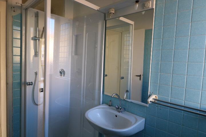 Appartement à louer 3 54.08m2 à Marseille 9 vignette-9
