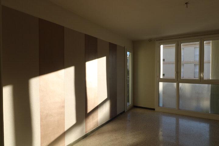 Appartement à louer 3 54.08m2 à Marseille 9 vignette-10