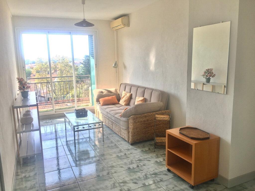 Appartement à louer 3 60.55m2 à Marseille 8 vignette-2