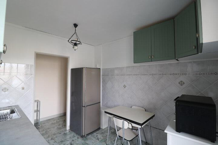 Appartement à louer 3 60.55m2 à Marseille 8 vignette-4