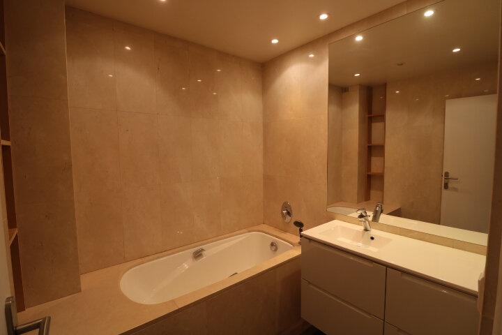Appartement à louer 3 90m2 à Marseille 8 vignette-8