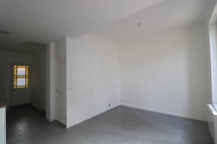 Maison à louer 3 45m2 à Marseille 9 vignette-2