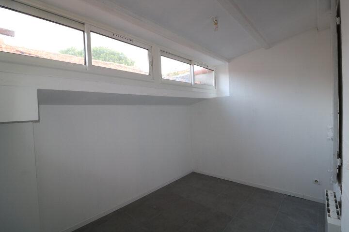 Maison à louer 3 45m2 à Marseille 9 vignette-5