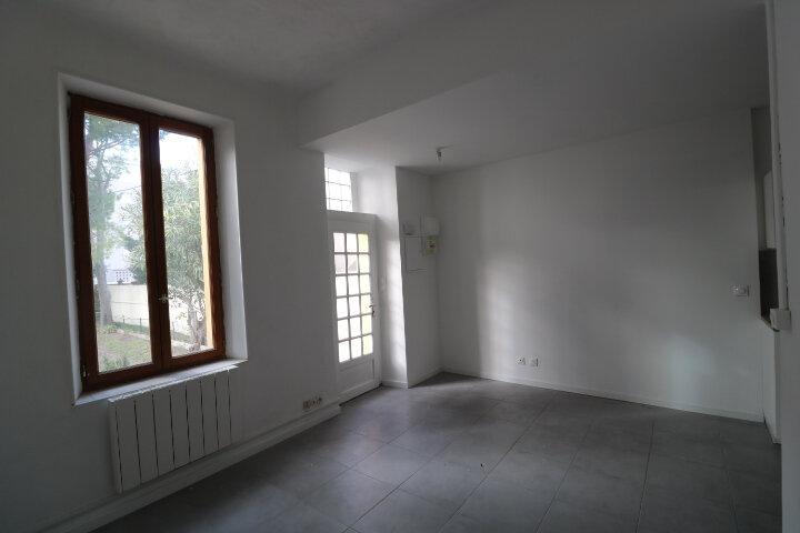 Maison à louer 3 45m2 à Marseille 9 vignette-8