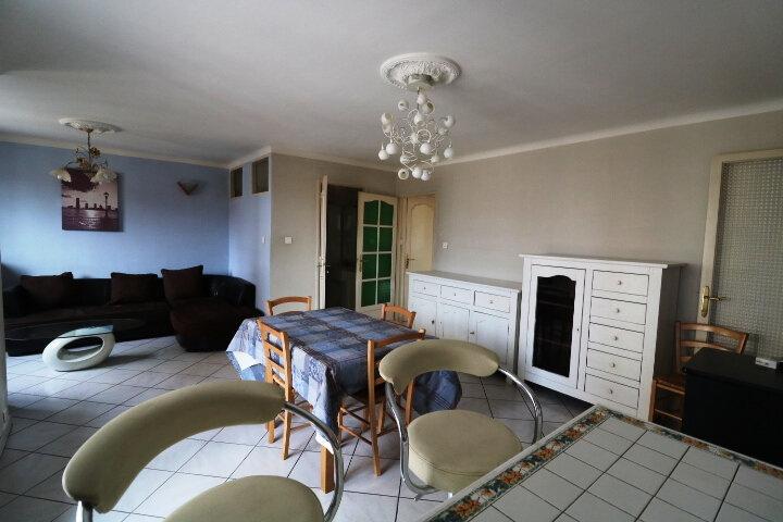 Appartement à louer 3 67.85m2 à Marseille 14 vignette-3